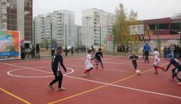 В двух районах Красноярска стартуют осенние лиги по мини-футболу среди дворовых команд