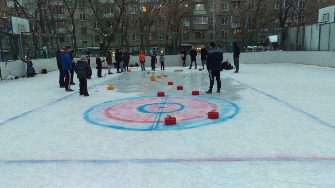Лига дворового керлинга стартовала в Москве: Хамовники — главная экспериментальная площадка Лиги